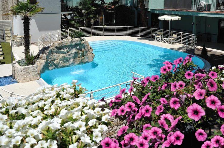 Hotel Bristol - piscina