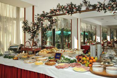hotel-bristol-bellaria-buffet-colazione