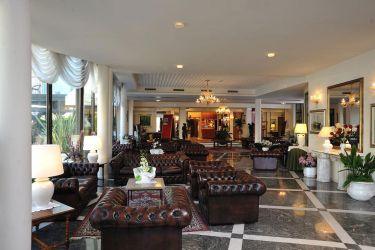 hotel-bristol-bellaria-divani-interni
