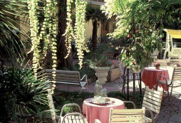 hotel-bristol-bellaria-giardino