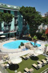 hotel-bristol-bellaria-piscina-esterna