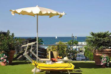 hotel-bristol-bellaria-terrazza-con-vista-panoramica