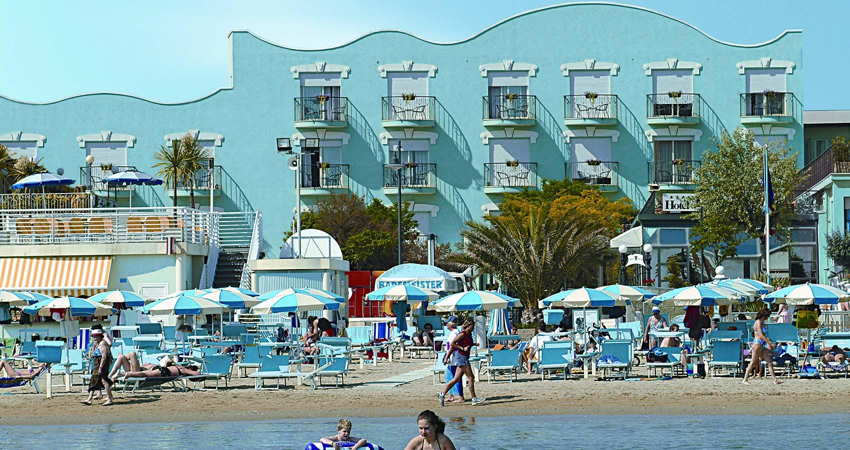 hotel-bristol-fronte-mare-bellaria