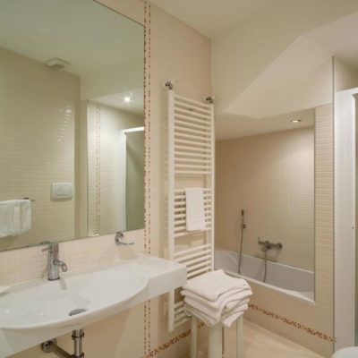 hotel-bristol-4-stelle-bellaria-bagno-in-camera