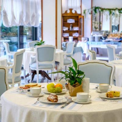 hotel-bristol-4-stelle-bellaria-sala-colazione