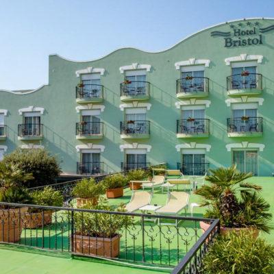 hotel-bristol-4-stelle-bellaria-terrazza-solarium