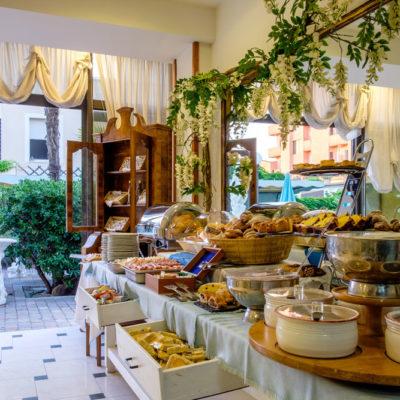 hotel-bristol-bellaria-4-stelle-buona-colazione-a-buffet